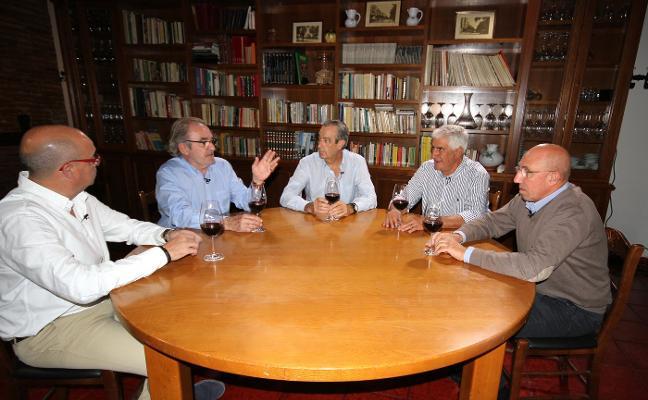 'ASES Y COPAS' , REFLEXIONES DE MURÚA EN TORNO AL VINO