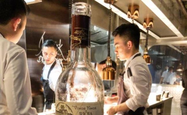Dabiz Muñoz ensalza un blanco de Viña Tondonia desde Hong Kong