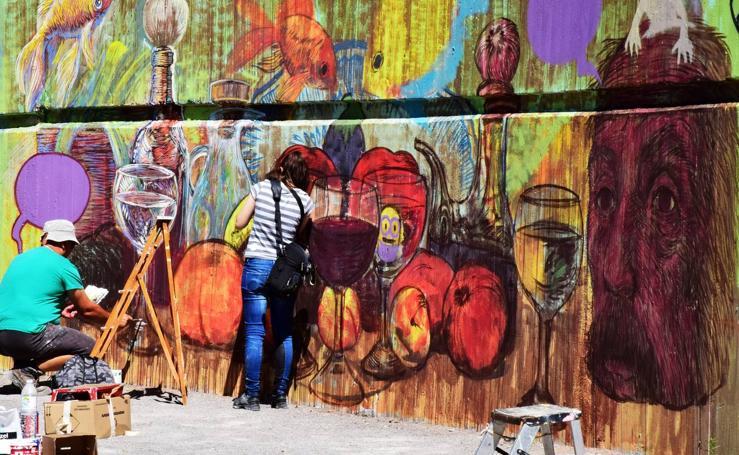 Arte urbano en la Pasarela del Ebro de Logroño