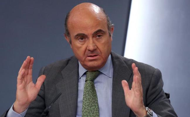 De Guindos ve «compatible» la rebaja fiscal con los objetivos de déficit pactados con Bruselas