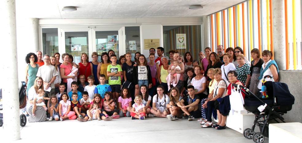 El colegio de Alcanadre mantendrá sus tres profesores