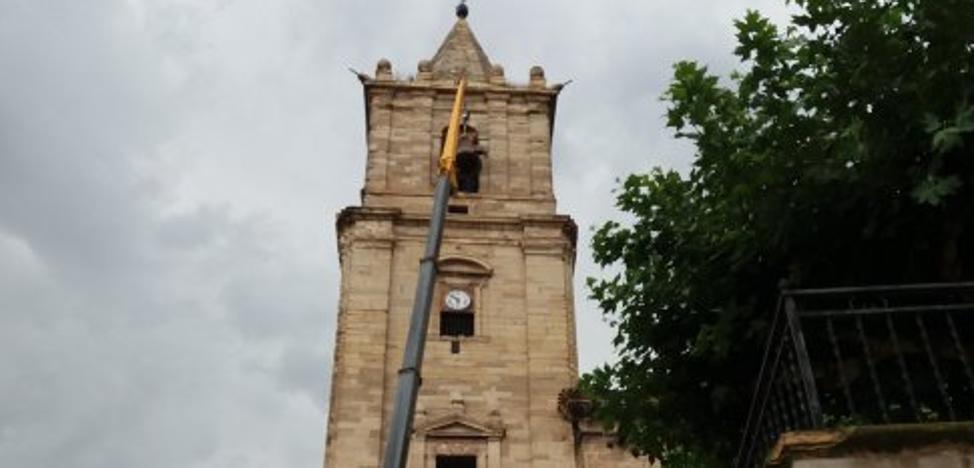 La iglesia de Navarrete vuelve a contar con dos de sus campanas tras ser restauradas