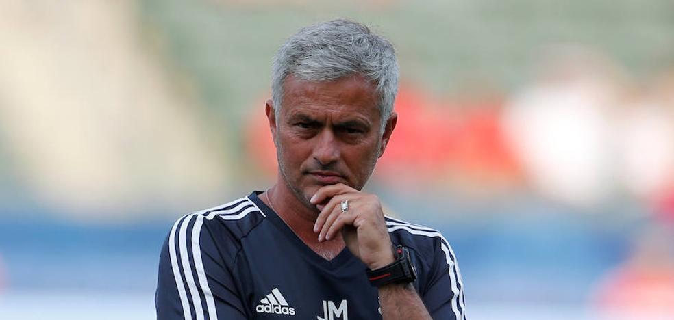 Mourinho critica el mercado de fichajes