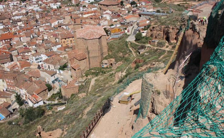 Más tumbas en el castillo de Arnedo