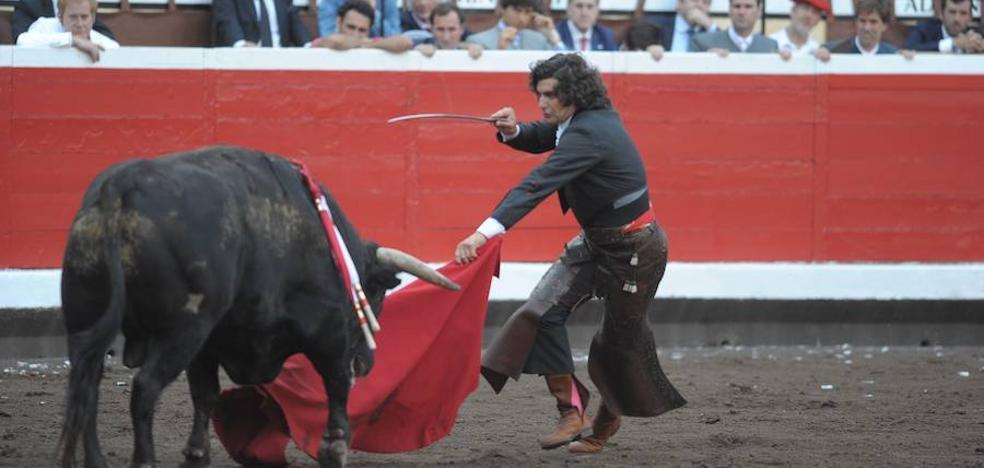 El Parlamento balear prohíbe la muerte de los toros en las corridas