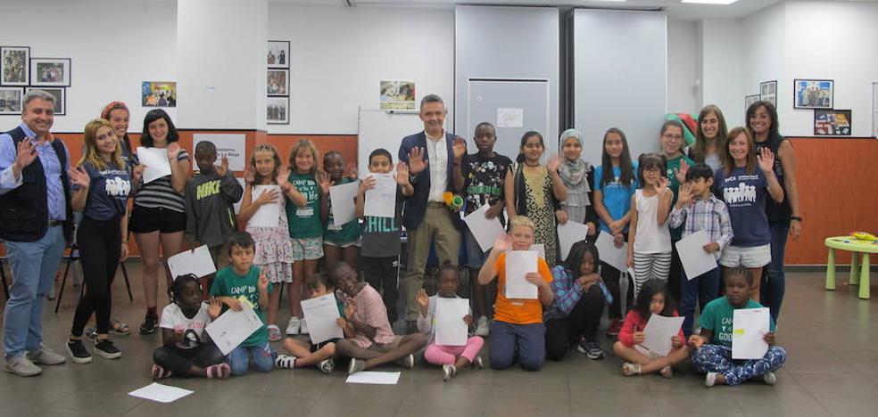 Cincuenta niños han participado en la colonia YMCA de Logroño