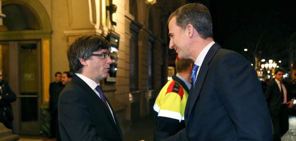 El Rey preside las conmemoraciones de Barcelona 92 a las que asiste Puigdemont
