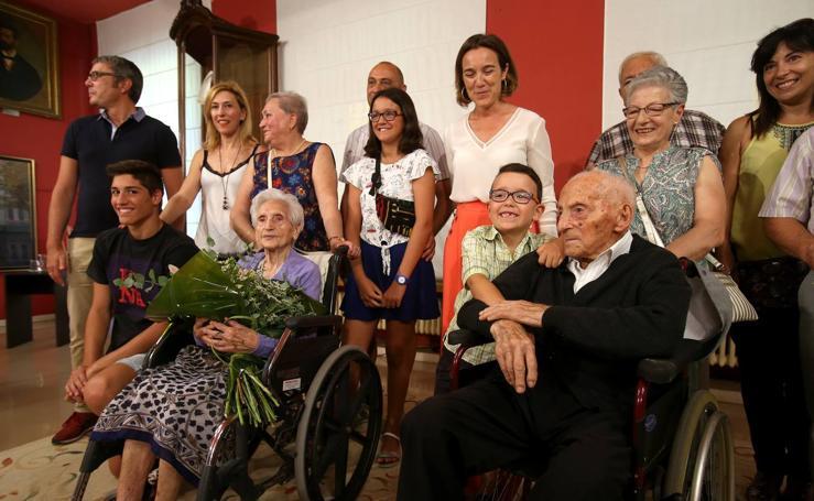 Homenaje en el Día de los Abuelos en el Ayuntamiento de Logroño