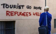 La campaña radical contra el turismo llega al País Vasco