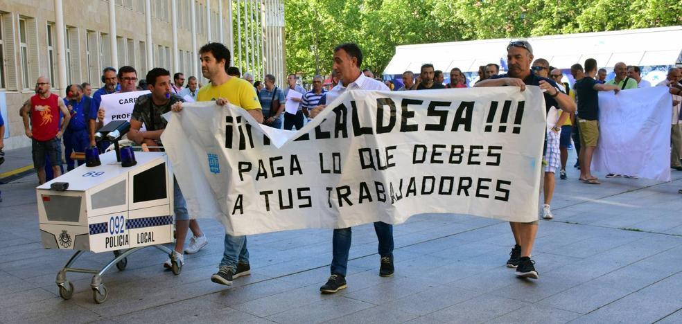 Los funcionarios municipales «intensificarán» sus protestas