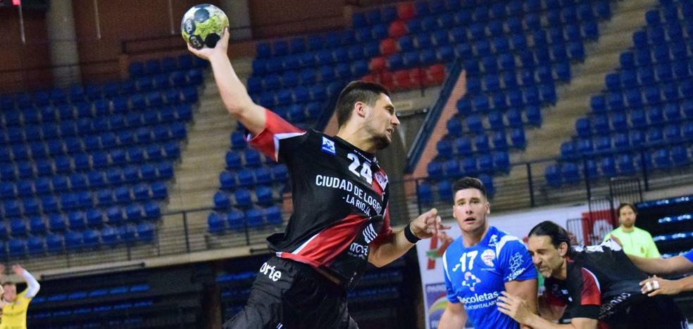El Ciudad de Logroño supera con éxito ante el Valladolid su primer ensayo