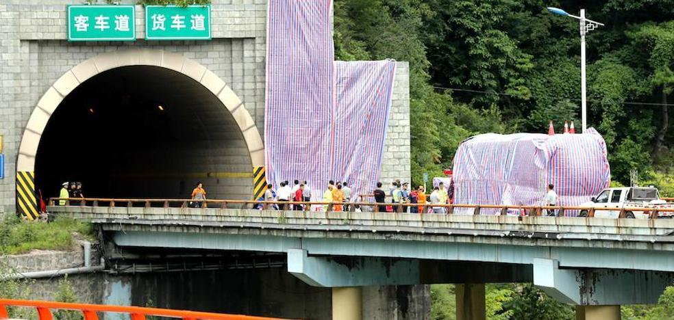 Mueren 36 personas tras un accidente de autobús en el noroeste de China