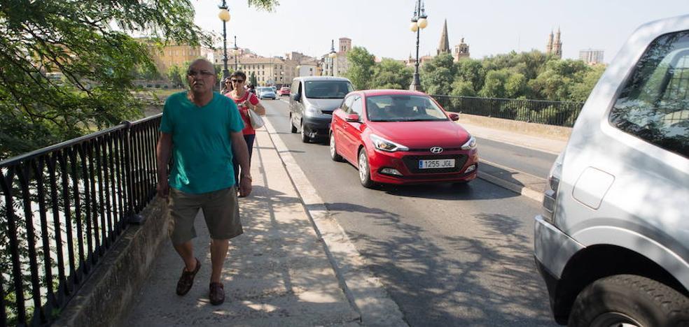 Ciudadanos propone rehabilitar el Puente de Piedra y una torreta de la antigua muralla
