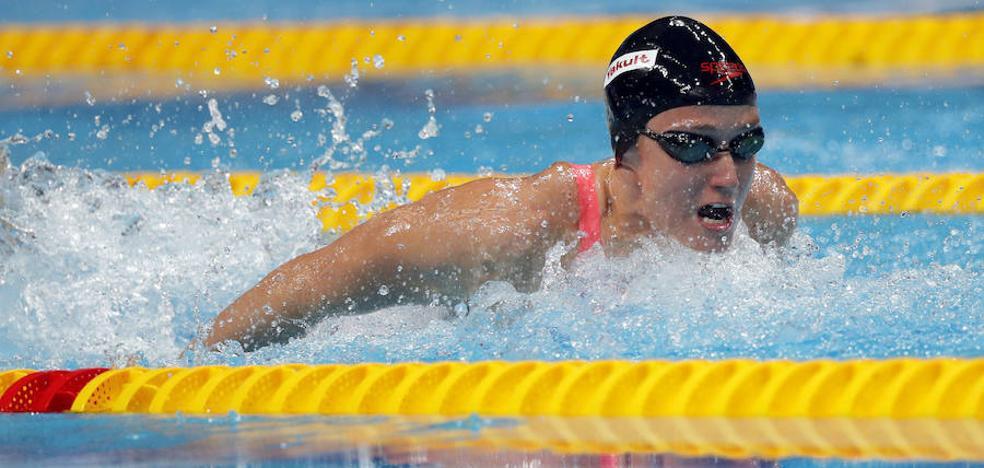 Mireia Belmonte, récord del mundo en 400 estilos