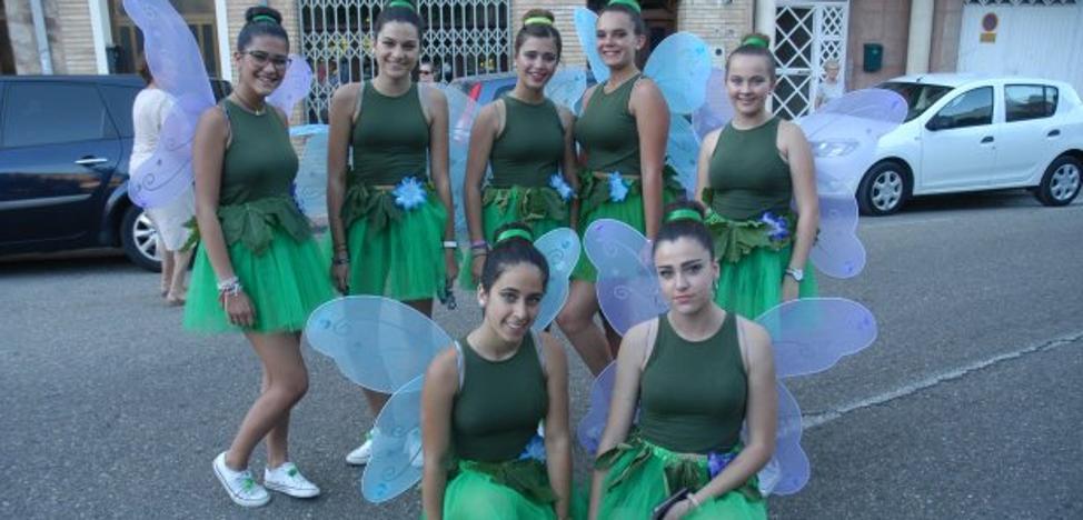 La Asociación Cerverana celebró el sábado el carnaval de verano
