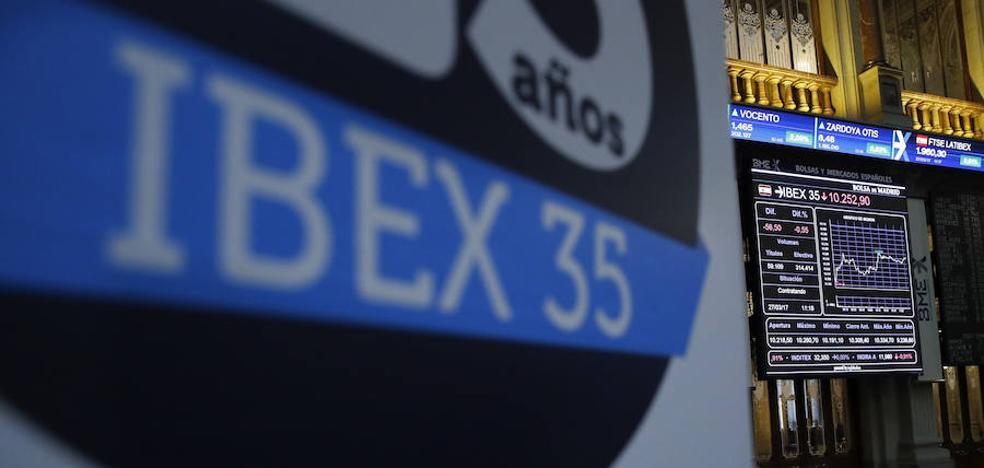 El Ibex no se atreve con los 10.500 pese a los buenos datos de la macro