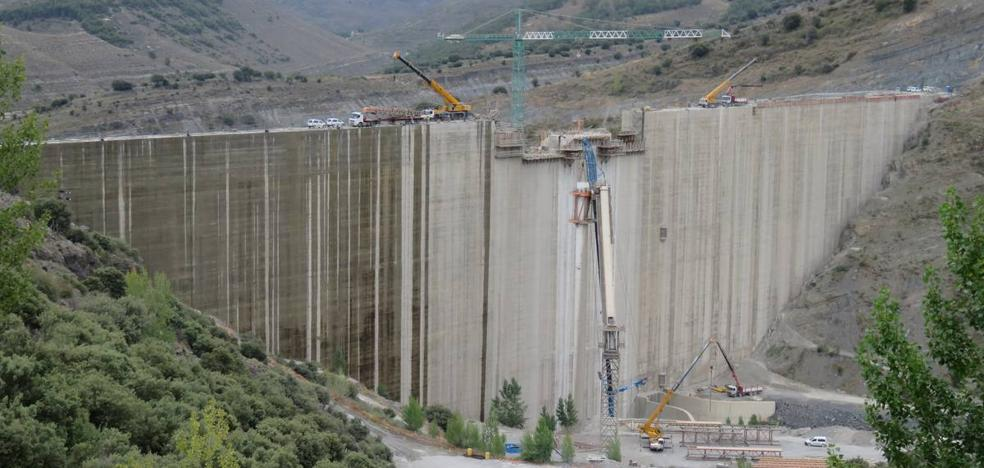 La presa de Enciso, en su recta final
