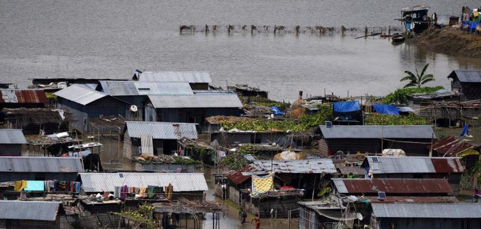 Al menos 700 muertos por inundaciones en el sur de Asia