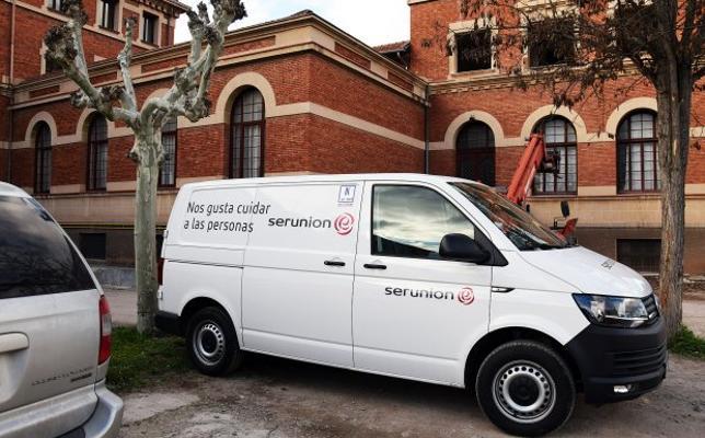 """El servicio de comidas a domicilio vuelve a la """"era pre-Serunión"""""""