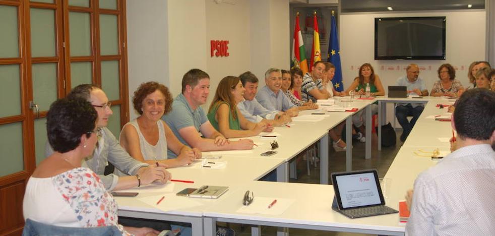 Francisco Ocón llama a luchar contra el «declive» industrial de La Rioja