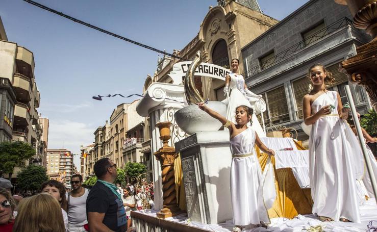 La peña El Sol gana el concurso de carrozas de Calahorra