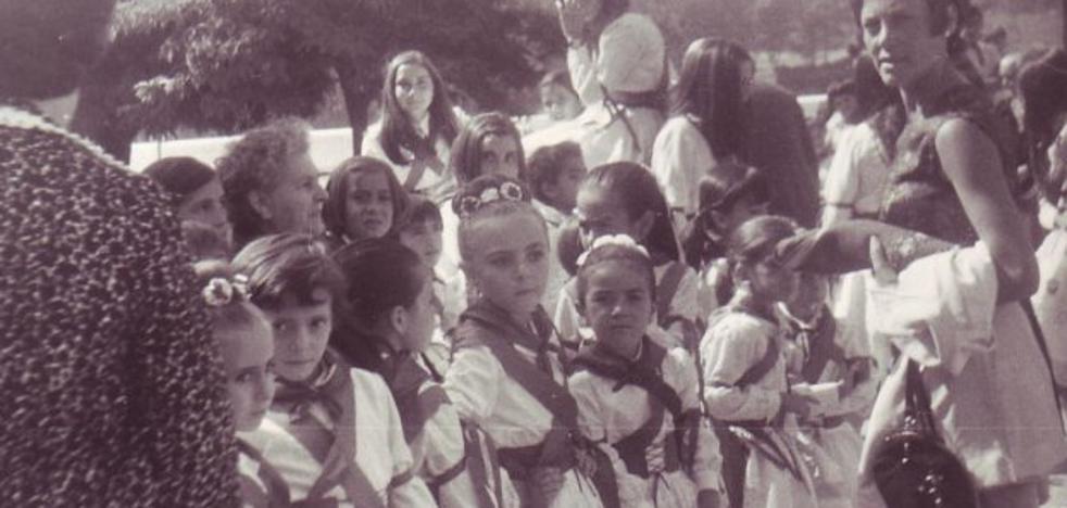 La Retina: niños del grupo de danzas de Calahorra