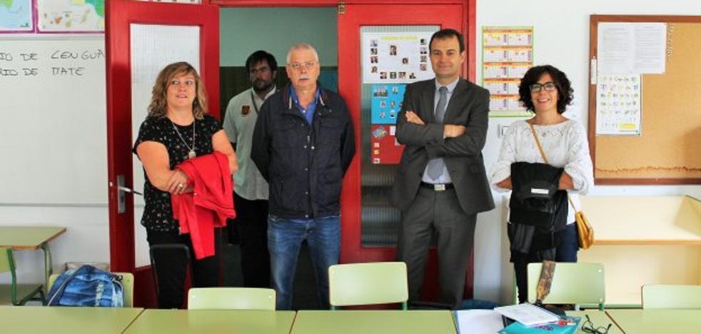 Rivado y Fernández visitan los colegios públicos de Haro
