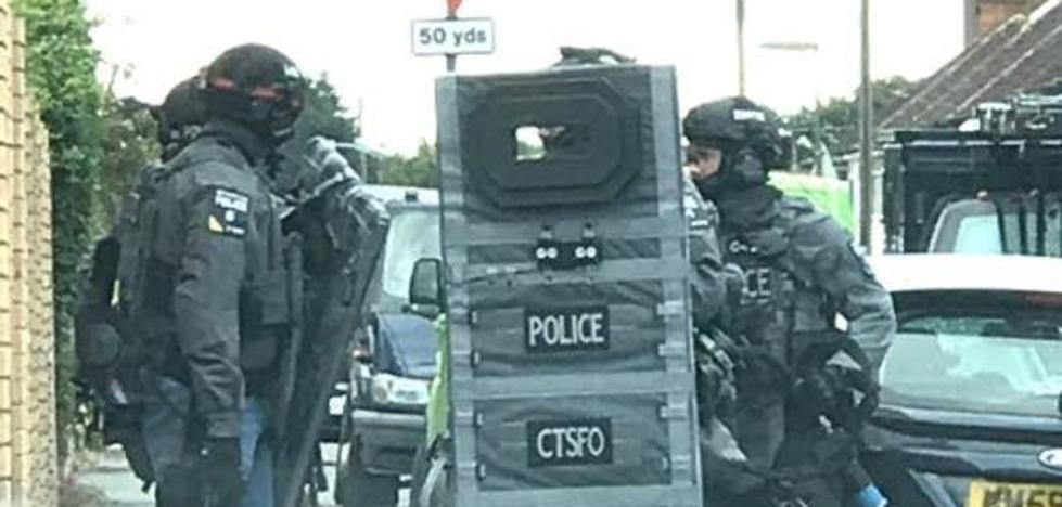 Evacuadas varias viviendas en Londres durante una operación antiterrorista