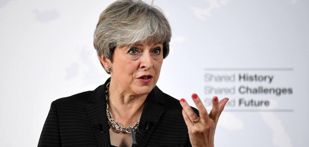 Theresa May quiere dos años más en la UE tras el 'Brexit'