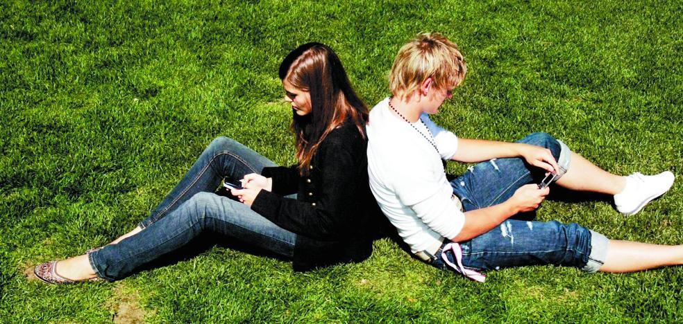 El problema de depender del móvil con 16 años