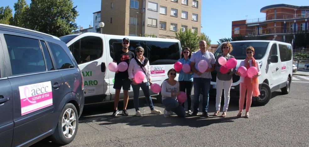 Los taxistas de Alfaro y Rincón se 'suman al rosa'