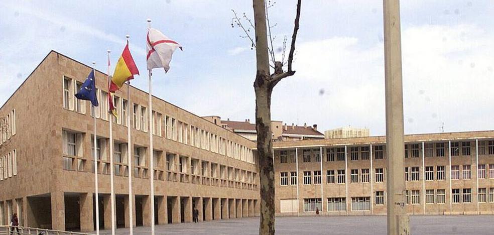 Logroño iluminará la fachada del Ayuntamiento y la fuente de Murrieta con los colores de la bandera española