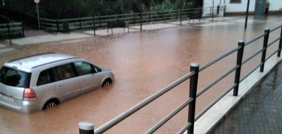 El Consistorio alfareño estudia la causa de las inundaciones en varias calles