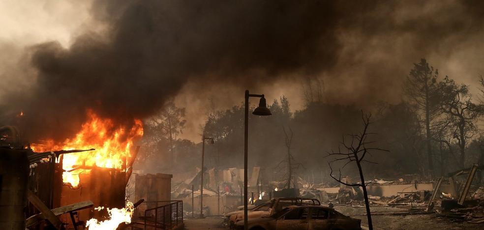 Ascienden a trece los muertos por los incendios en el norte de California