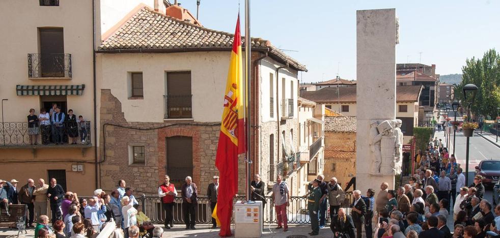 Y Cenicero izó su bandera