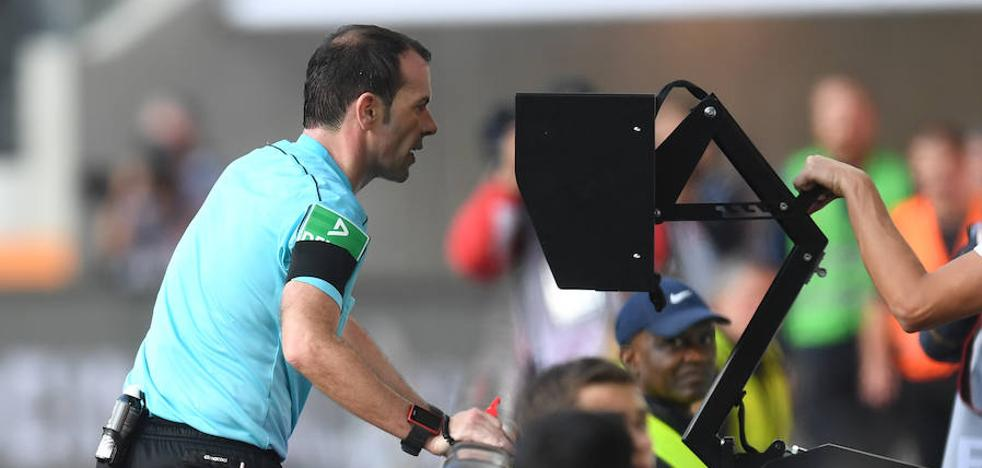 El VAR no termina de zanjar el debate; ¿fútbol más justo, o más confuso?