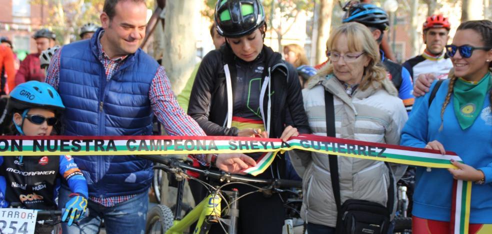 Sheyla Gutiérrez recibe el cariño de Varea