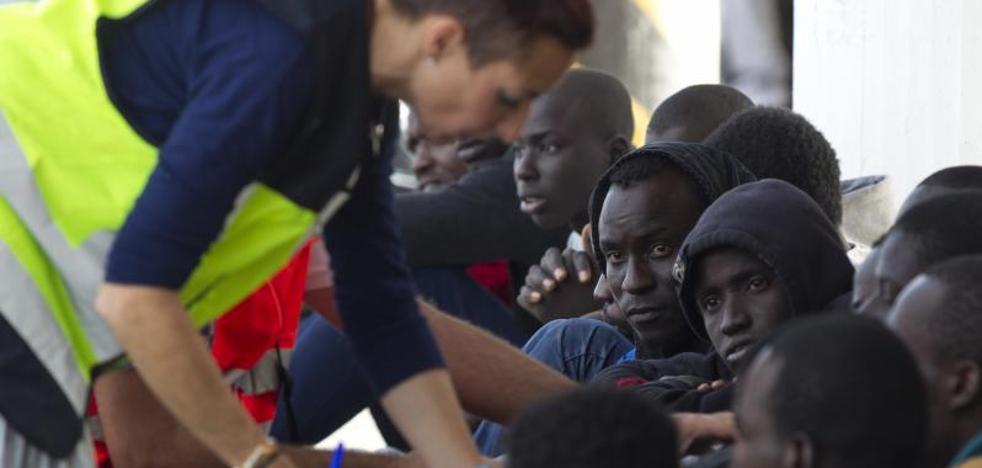 Más de 150 inmigrantes rescatados en las costas españolas desde ayer