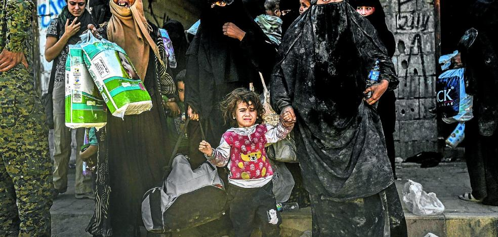 Los yihadistas de Raqqa negocian su rendición