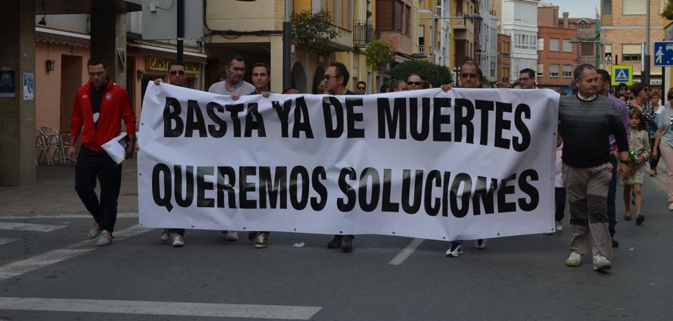 Rincón de Soto se manifiesta por las víctimas de la N-232