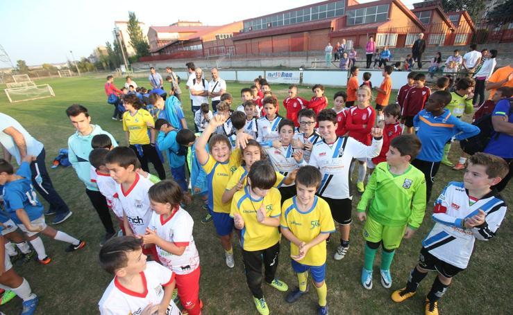 Entrega trofeos del Memorial Torneo Ángel Díez Olarte