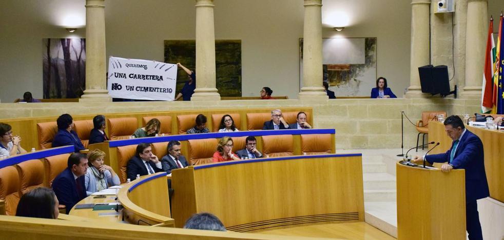 El Parlamento riojano pide por unanimidad una respuesta «digna» a los refugiados