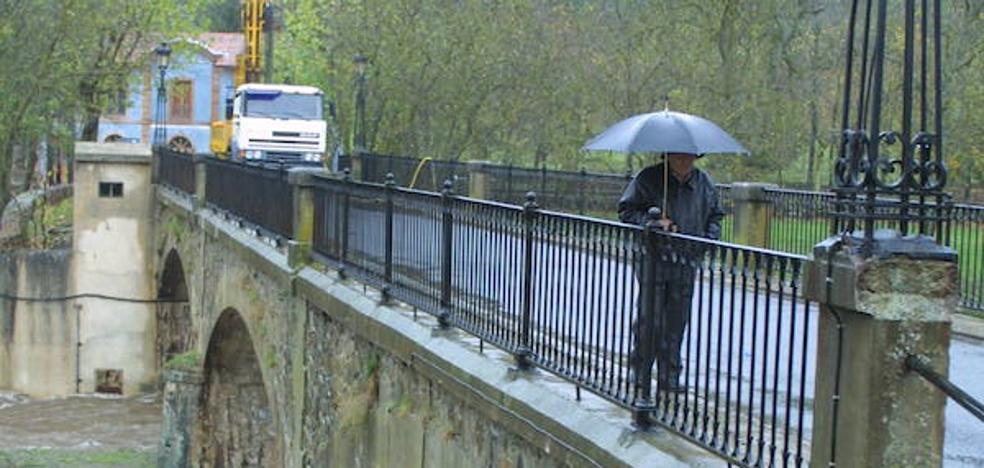 La mejora de la travesía de Ezcaray incluye ampliar el puente sobre el Oja