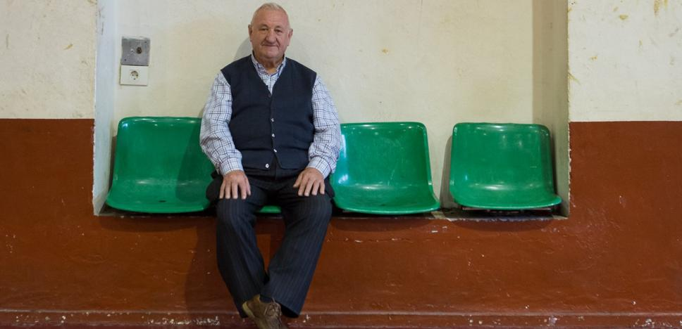 Adiós a Pantaleón, el eterno vigilante del polideportivo de Escolapios