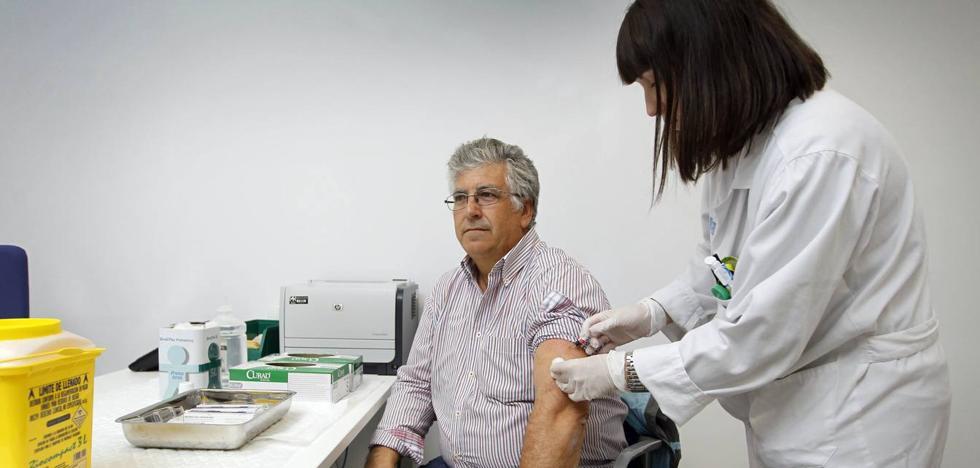 La campaña de vacunación antigripal llamará especialmente a los mayores de 60 años