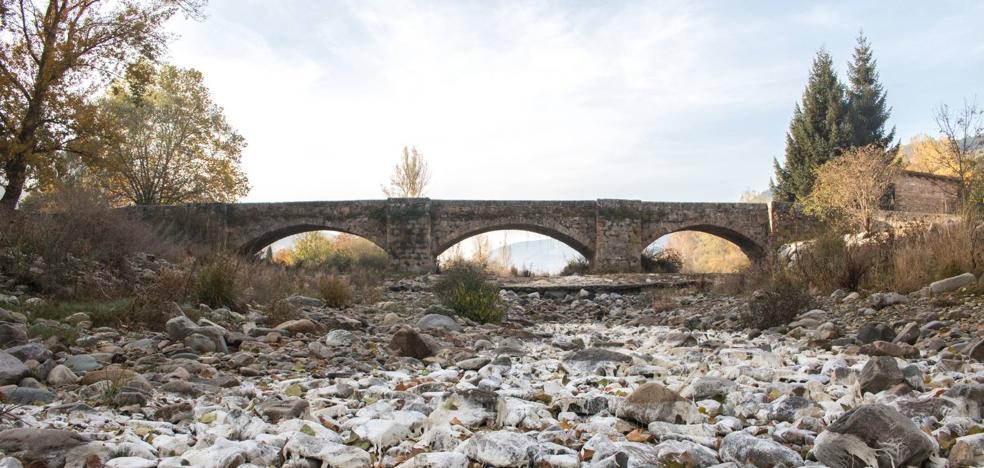 La presa que almacena agua... de borrajas