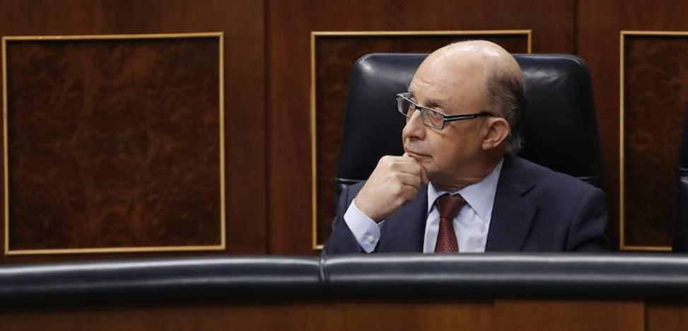 Hacienda, a la espera del Senado para intervenir en Cataluña