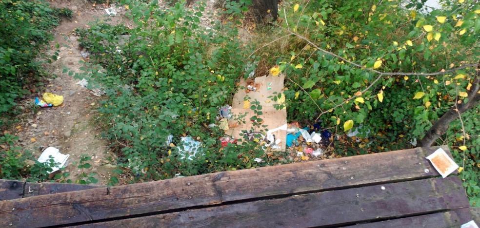 La Guindilla: suciedad en el mirador de La Ribera