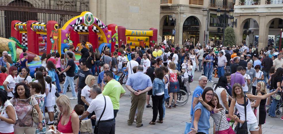La Plaza del Mercado acoge la VI Feria de Economía Solidaria