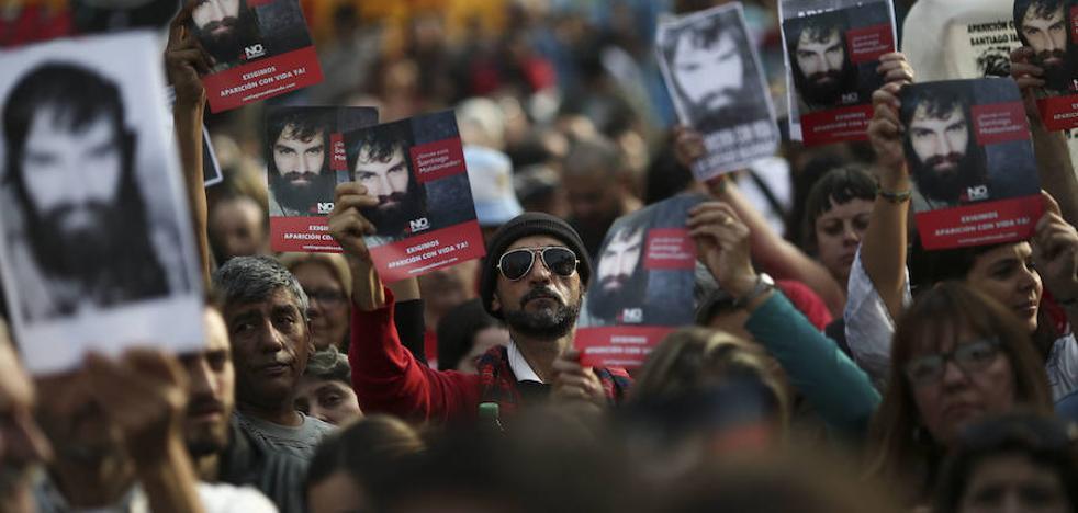 El informe preeliminar confirma que Santiago Maldonado murió ahogado hace al menos 60 días
